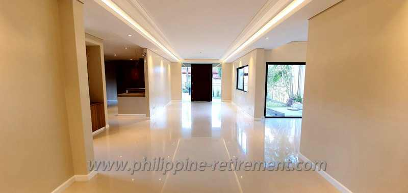 House and Lot in BF Homes Las Piñas City For Sale